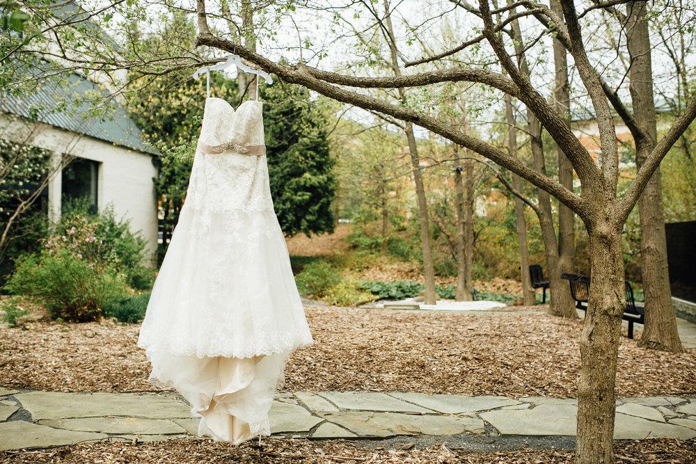 Katie-Nick-Preparations-Grand-Rapids-Wedding-Photographer-42.jpg