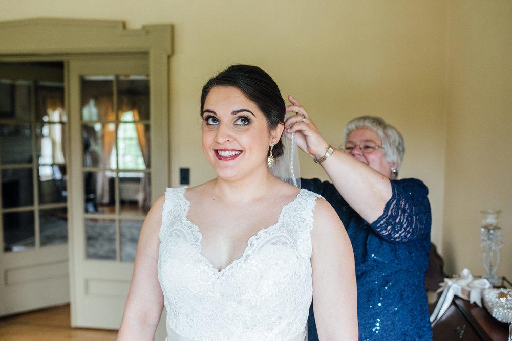 Megan-Nate-Preparations-Michigan-Wedding-Photographer-131.jpg