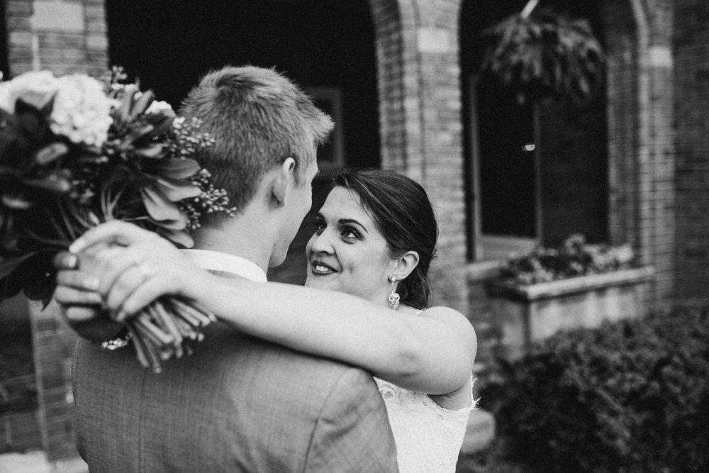 Megan-Nate-Portraits-Michigan-Wedding-Photographer-318.jpg