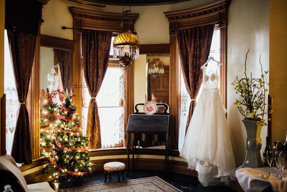 2017-12-Katie-Kyle-Henderson-Castle-Wedding-Preparations-7.jpg