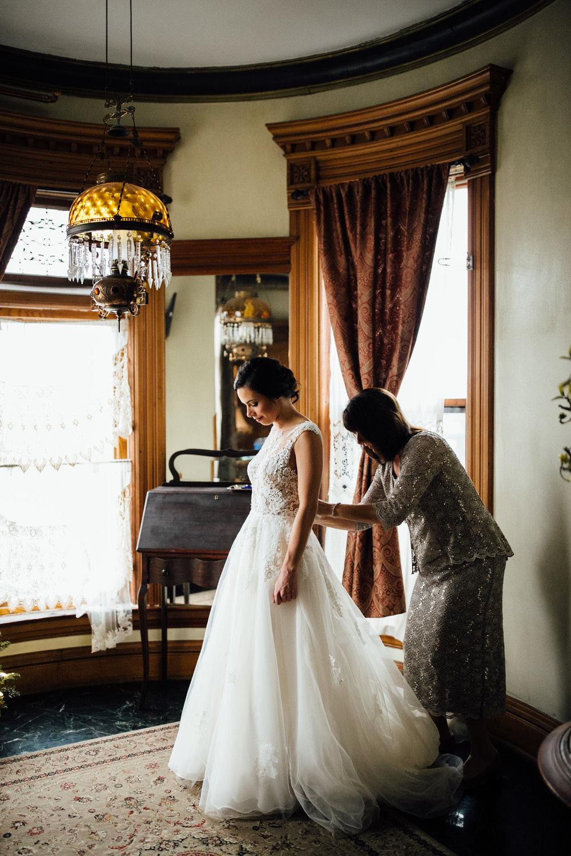 2017-12-Katie-Kyle-Henderson-Castle-Wedding-Preparations-37.jpg