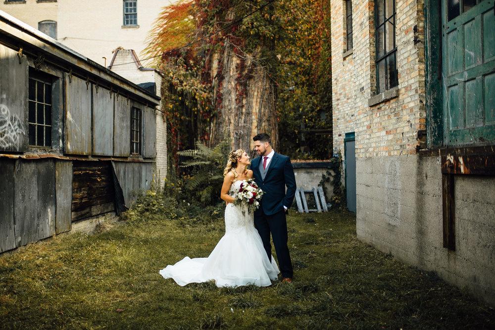 Erin-Chad-Portraits-Michigan-Wedding-Photographer-24.jpg