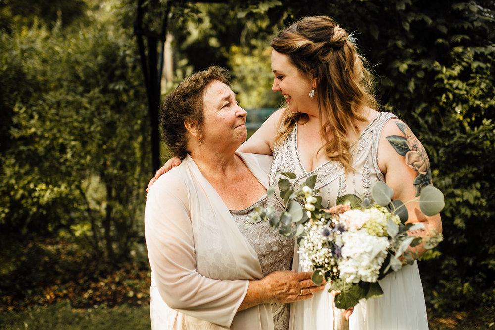 Sara-Jerrod-Family-Portraits-Michigan-Wedding-Photographer-28.jpg