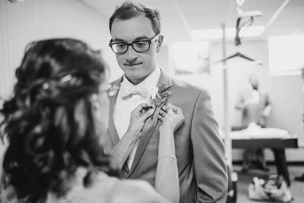 Jackie-Austin-Preparations-Michigan-Wedding-Photographer-174.jpg