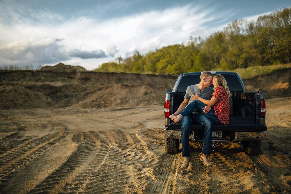 2018-5-Tessa-Aaron-Grand-Rapids-Engagement-Michigan-Wedding-Photographer-2252.jpg