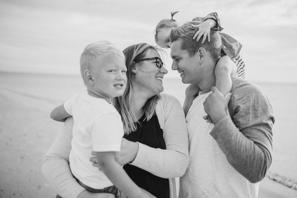 2018-9-Gentzler-Grand-Haven-Beach-Session-Grand-Rapids-Michigan-Family-Photographer-46.jpg