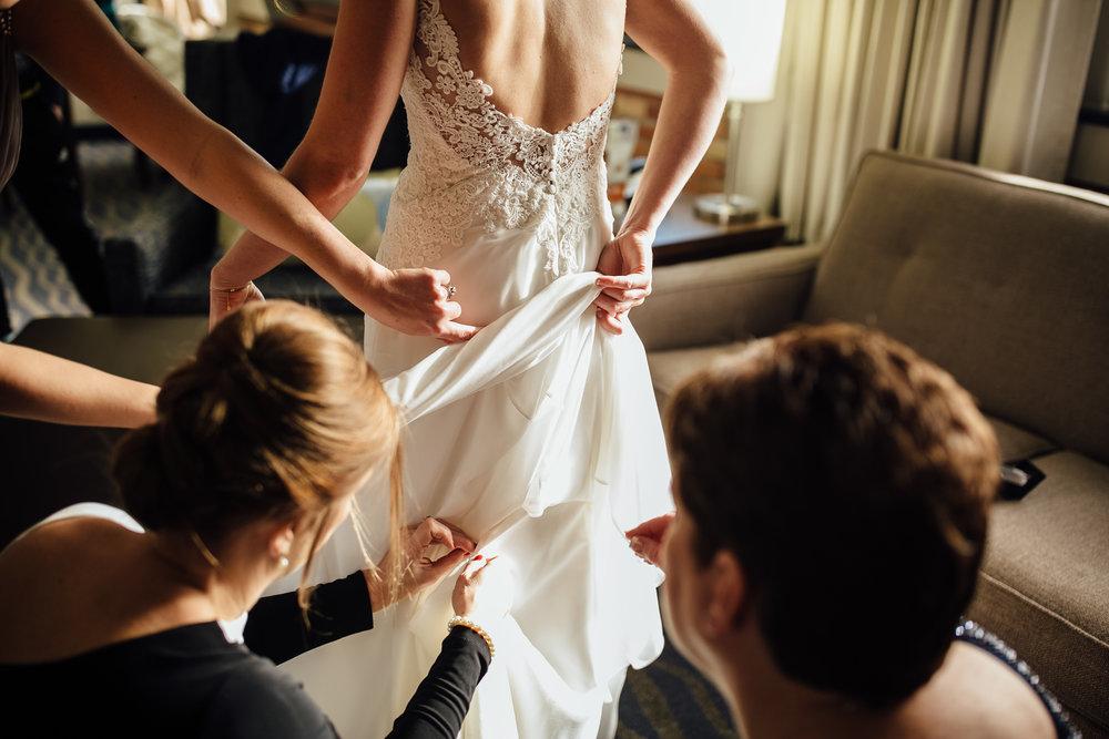 2018-1-Trisha-Craig-Preparations-Grand-Rapids-Wedding-Michigan-Wedding-Photographer-74.jpg