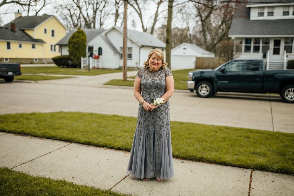 2018-4-Kim-Nick-Detroit-Wedding-Preparations-Michigan-Wedding-Photographer-202.jpg