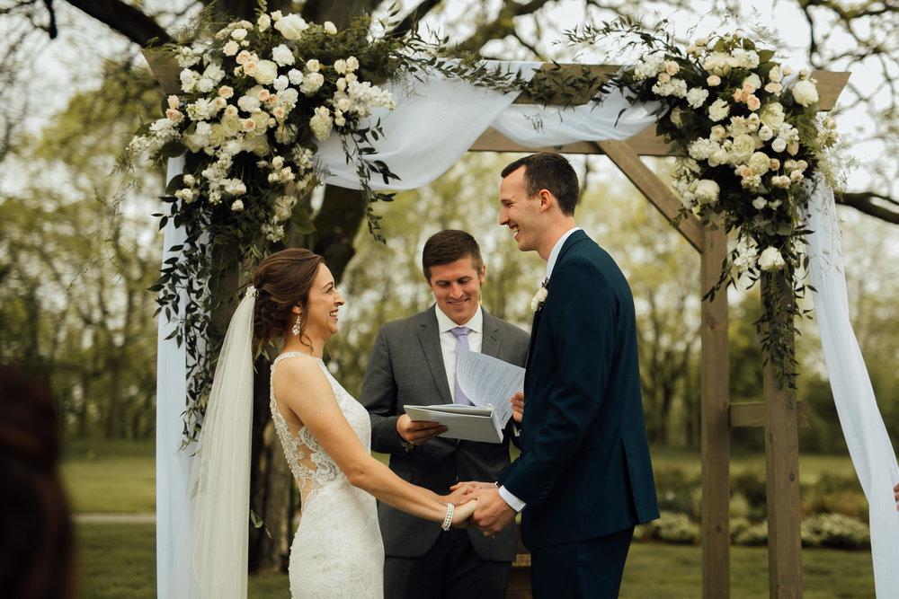 2018-5-Sammi-Travis-Ceremony-Grand-Rapids-Michigan-Wedding-Photographer-181.jpg