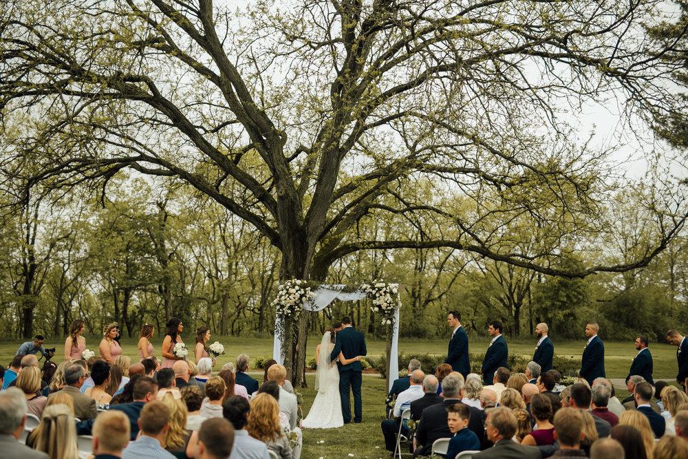 2018-5-Sammi-Travis-Ceremony-Grand-Rapids-Michigan-Wedding-Photographer-190.jpg