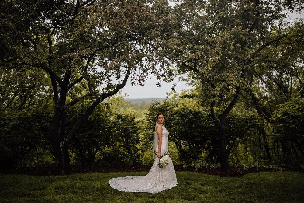 2018-5-Sammi-Travis-Portraits-Grand-Rapids-Michigan-Wedding-Photographer-124.jpg