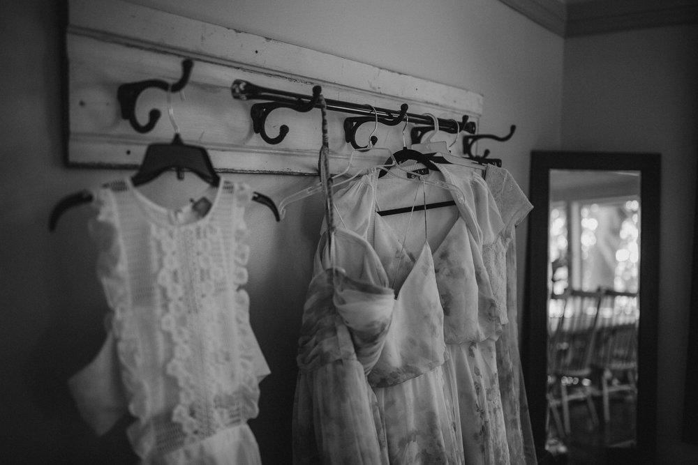 2018-8-Chelsea-Rich-Preparations-Aurora-Cellars-Traverse-City-Wedding-Michigan-Wedding-Photographer-9.jpg