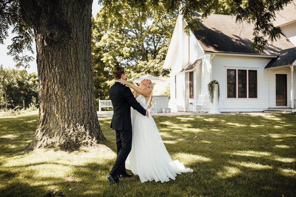 2018-8-Chelsea-Rich-First-Look-Aurora-Cellars-Traverse-City-Wedding-Michigan-Wedding-Photographer-19.jpg