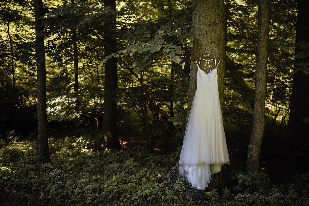 2018-6-Katarina-Mike-Preparations-Holland-Wedding-Michigan-Wedding-Photographer-24.jpg