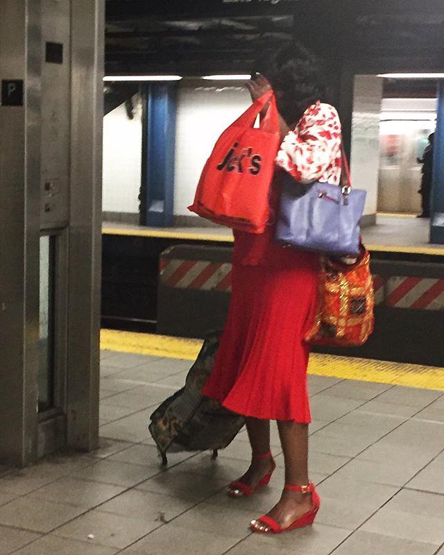 fourever | Brooklyn | by @emmapratte  #bags #red #commute