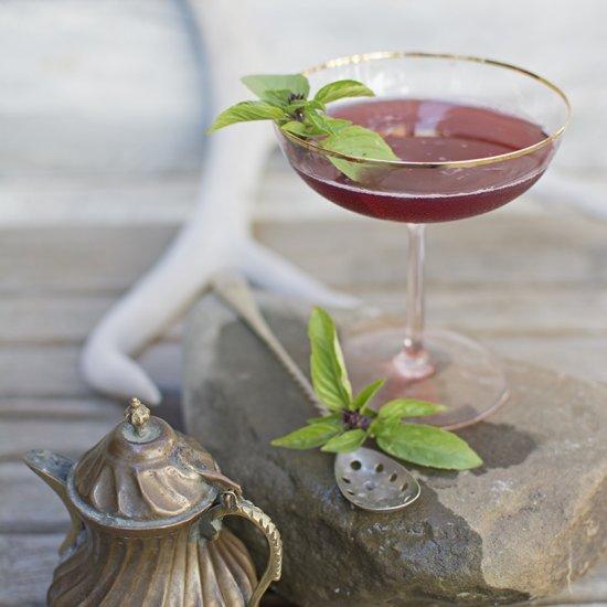 2333605-hedgerow-martini.jpg
