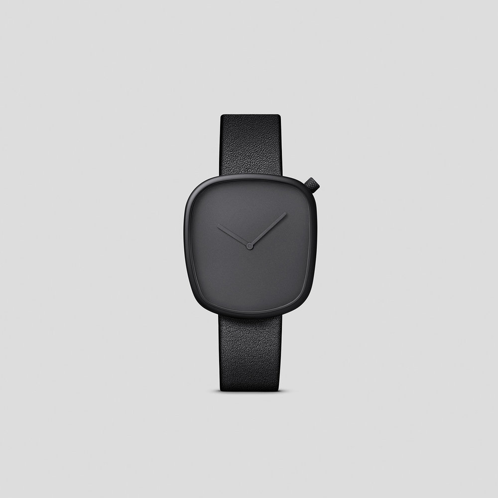 pebble black 1.jpg