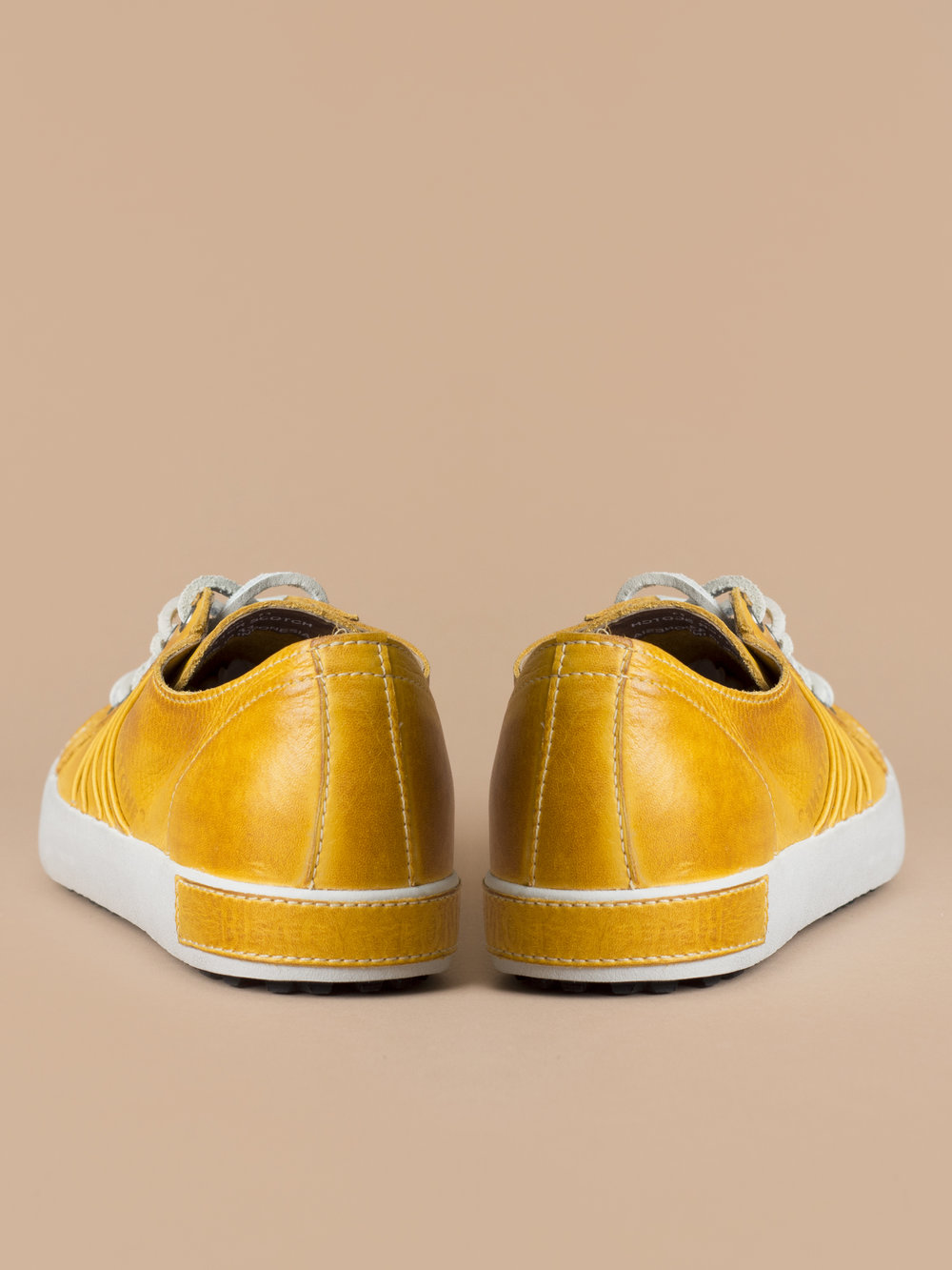 10-Yellow-Back.jpg