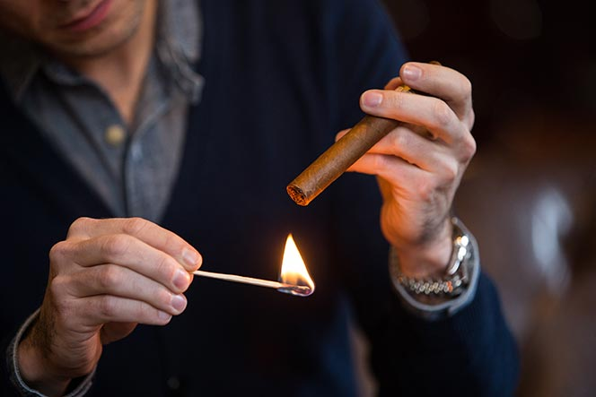 LIGHT CIGAR1.jpg