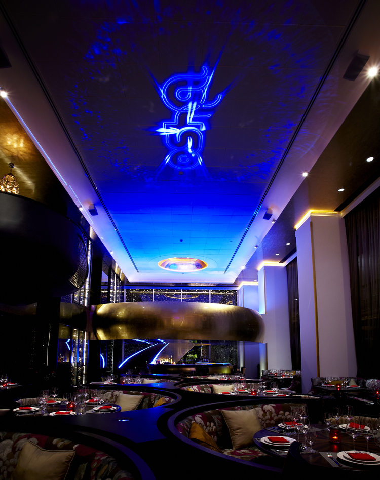 If we are asked to pick any type of spaces that lighting design can have a  huge impact on, restaurants will be on top of the list.