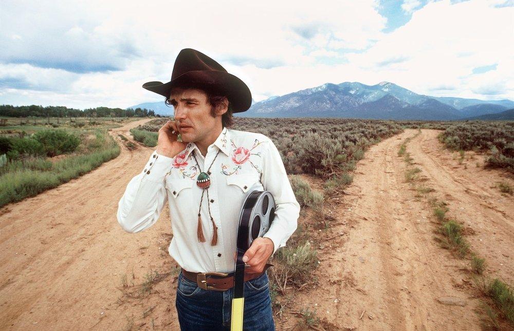 AFTR_Dennis-Hopper-Taos-New-Mexico-SACRED-MOUNTIAN-C-DOUGLAS-KIRKLAND-1.jpg