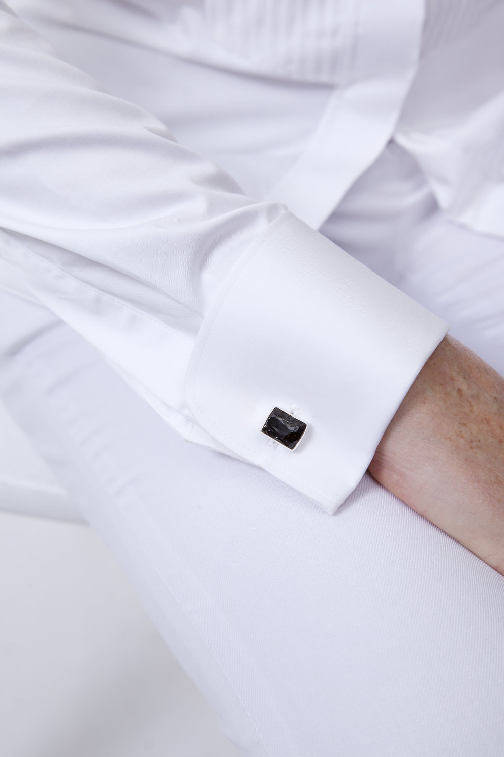 Bridal suit cufflink detail.jpg