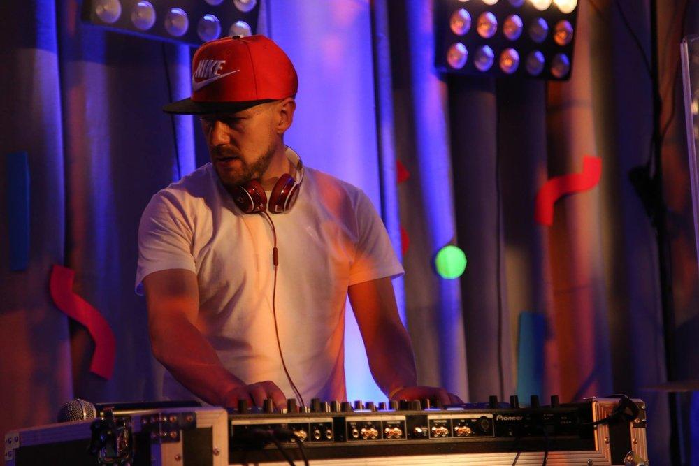 tim DJ 2.jpg