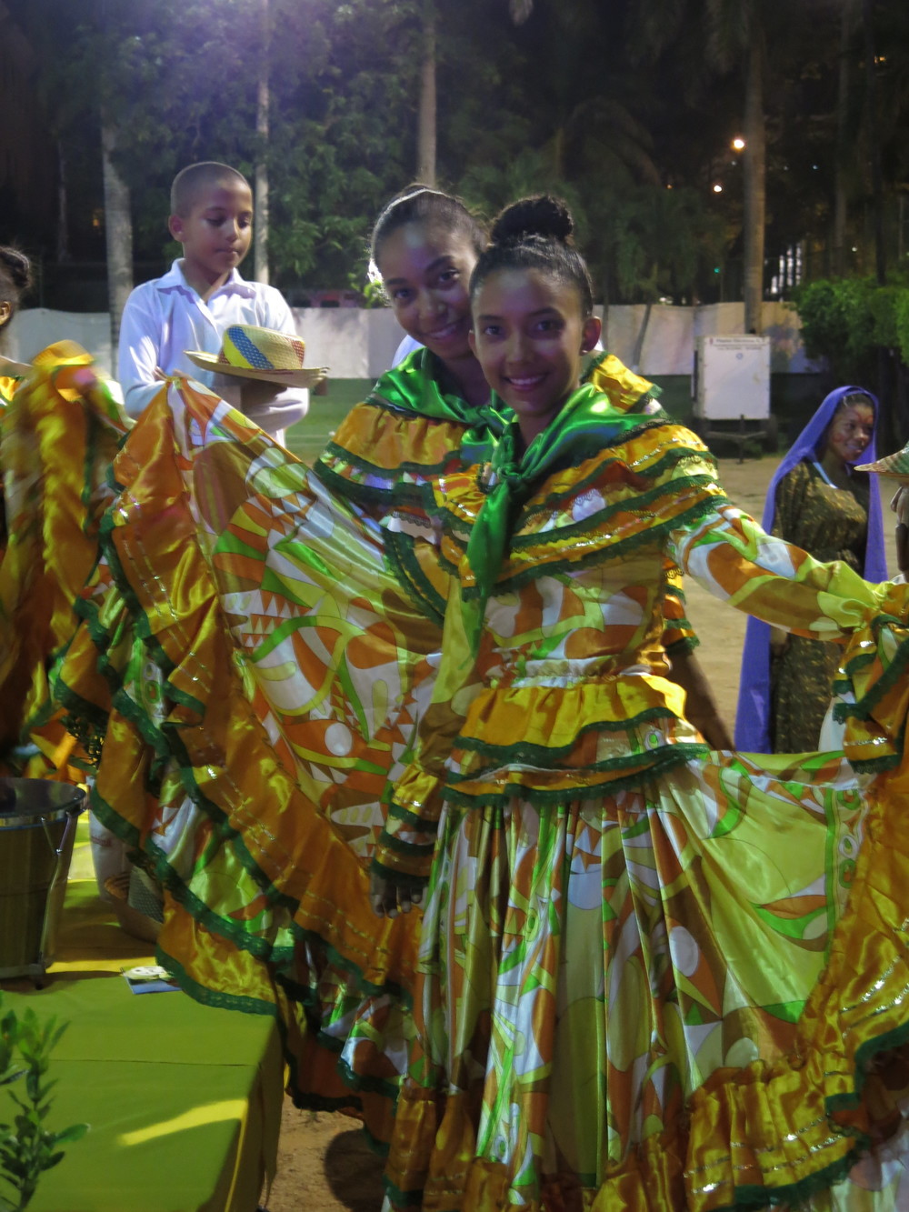 Bailarina, dancer in a traditional Colombian costume