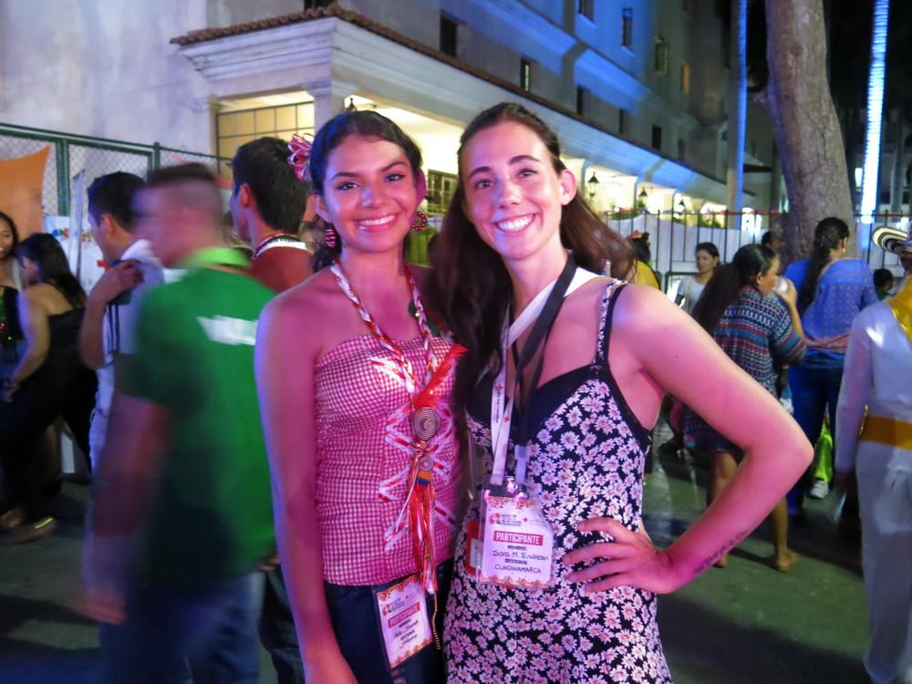 Sara y Hellen, voluntaria de Barranquilla