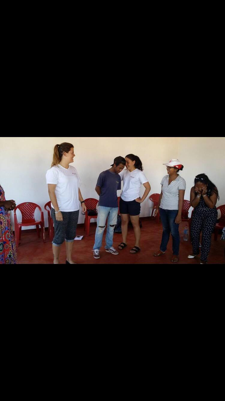 Getting to know each other – interaction activity with the youth volunteers
