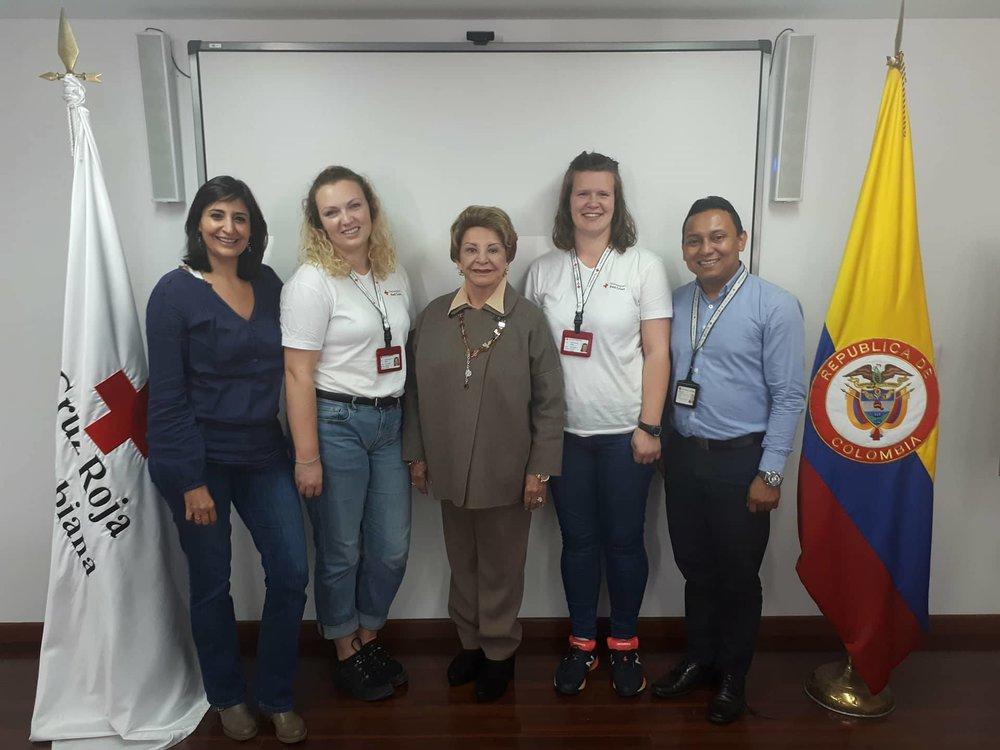 Reunión con la presidenta, con la delegada de país y coordinador nacional de la Cruz Roja Juventud. Foto de: Cruz Roja Colombiana.