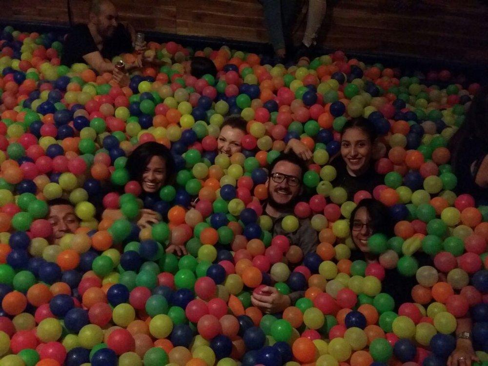 Hacer algo divertiodo con amigos. Foto de: Sofie Sundström Bele.