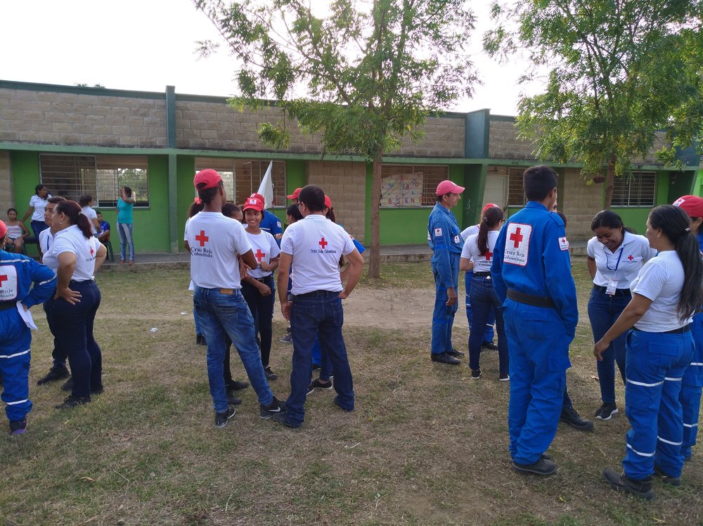 Para conocerse, jugando un juego, respondando preguntas sobre su rol en la Cruz Roja, un sueño que han logrado y lo que quieren lograr en 2018. ///  To get to know each other, playing a game, answering questions about their role in the Red Cross, a dream they have accompliched, and something they want to accomplish in 2018.  Foto de: Sofie S. Bele