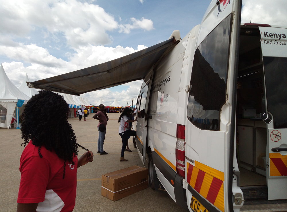 Together with the Government and Global Platform, Kenya Red Cross has an ongoing project where they provide free HIV-tests around Kenya. They were present with their car offering free tests at the event, and Elfi got tested. Photo: Elfi Thrane Bemelmans