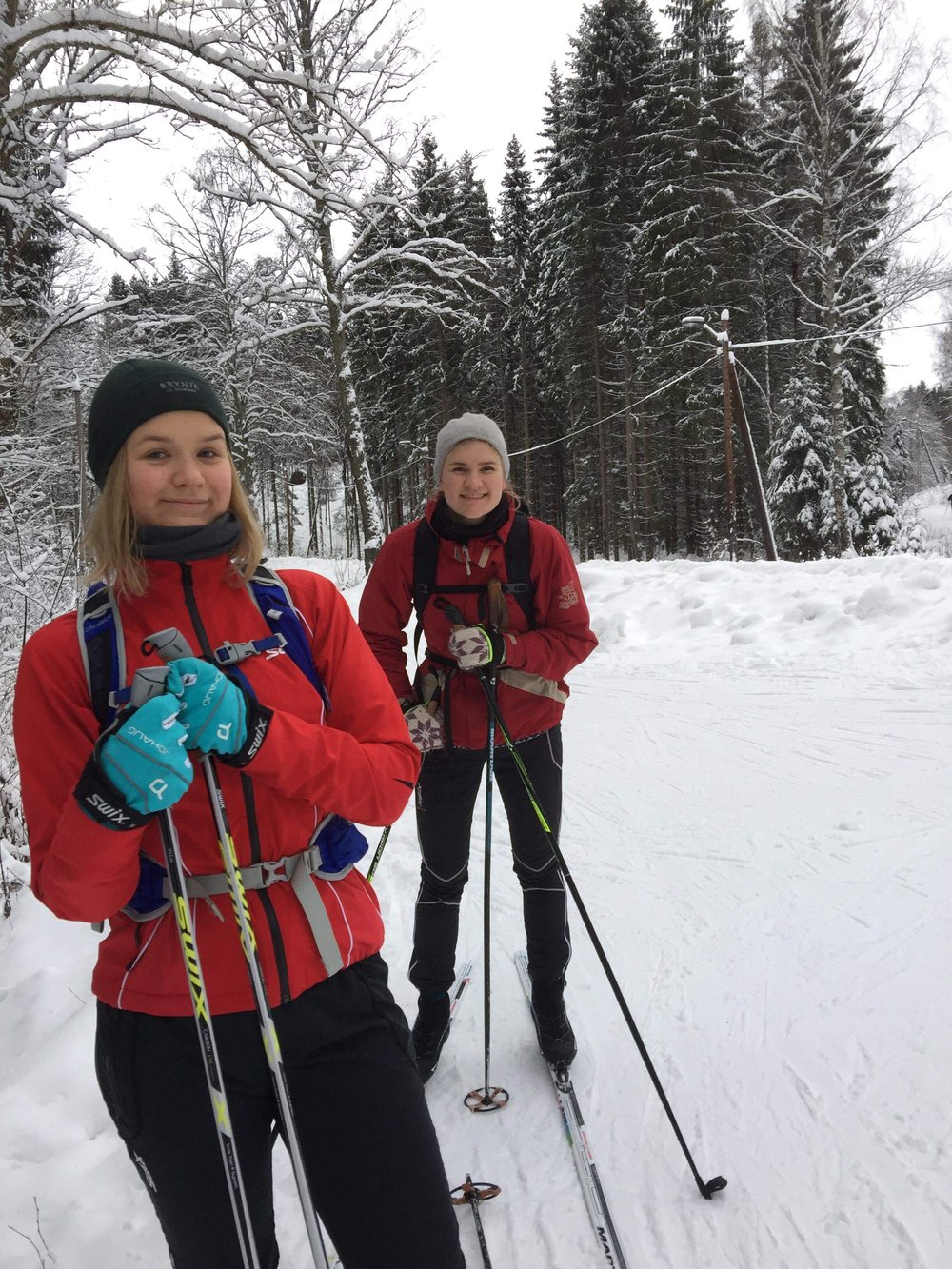 Ingrid and her sister Gabrielle on a cross-country skiing trip. Photo: Valérie Legrand Gjerdset.