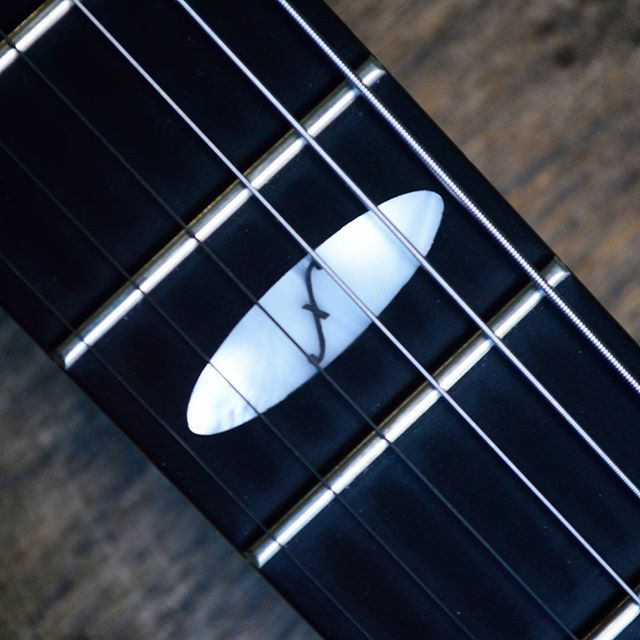 The Flaxwood inlay on the patented Flaxwood neck!  Contact us here at FlaxwoodGuitarsUK on Instagram, Facebook or Twitter for more information. Get in touch with @zedmusicdistribution to find your nearest dealer and to get your hands on a Flaxwood in the United Kingdom.  www.zedmusicdistribution.co.uk  Photo and copyright owned by Zed Music Distribution.  #flaxwood #flaxwoodguitars #guitar #electric #electricguitar #guitarist #unitedkingdom #lovemusic #musicians #musiclife #ギター #violão #guitarra #гитара #guitare #gitar #musicphotography #sustainable #sustainability #ecofriendly #eco #photooftheday #photo