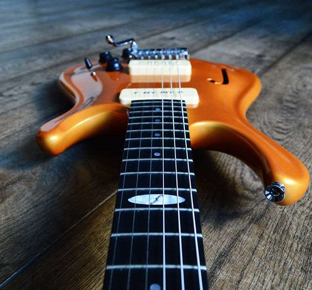 Flaxwood Electric Guitars are now available at Intersound Guitars in Dursley, Gloucestershire!  Check out their stunning guitars now! @intersoundguitars  #dursley #gloucestershire #new #store #launch #special #rare #first  Contact us here at FlaxwoodGuitarsUK on Instagram, Facebook or Twitter for more information. Get in touch with @zedmusicdistribution to find your nearest dealer and to get your hands on a Flaxwood in the United Kingdom.  www.zedmusicdistribution.co.uk  Photo and copyright owned by Zed Music Distribution.  #flaxwood #flaxwoodguitars #guitar #electric #electricguitar #guitarist #unitedkingdom #ギター #violão #guitarra #гитара #guitare #gitar #musicphotography #sustainable #sustainability #ecofriendly #eco #photooftheday #photo