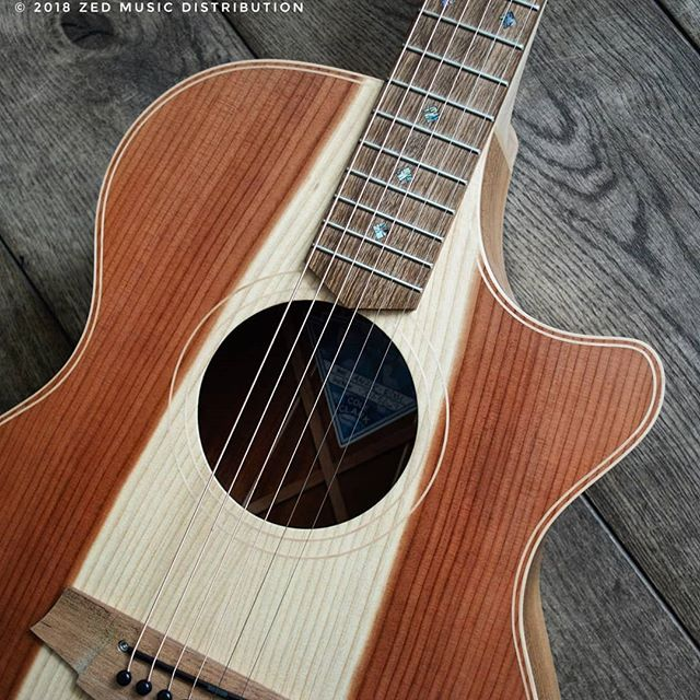 We hope you are all enjoying the long weekend! How about this beautiful Redwood top for a Sunday vibe!  #redwood #sunday #weekend #bankholiday #sundayvibes  Contact us here at ColeClarkUK to find out more and get in touch with Zed Music Distribution to find your nearest Cole Clark dealer and get your hands on one! @zedmusicdistribution  Photo and Copyright owned by Zed Music Distribution.  #coleclark #coleclarkguitars #redwood #california #big #grain  #oneofakind  #worldsmostnaturalpickup  #acousticguitar #acousticaguitar #acoustic #guitars #guitarist #guitar #guitarsdaily #guitarspotter #guitarsarebetter #guitarcover #zedmusicdistribution #martin #taylor #fender #gibson