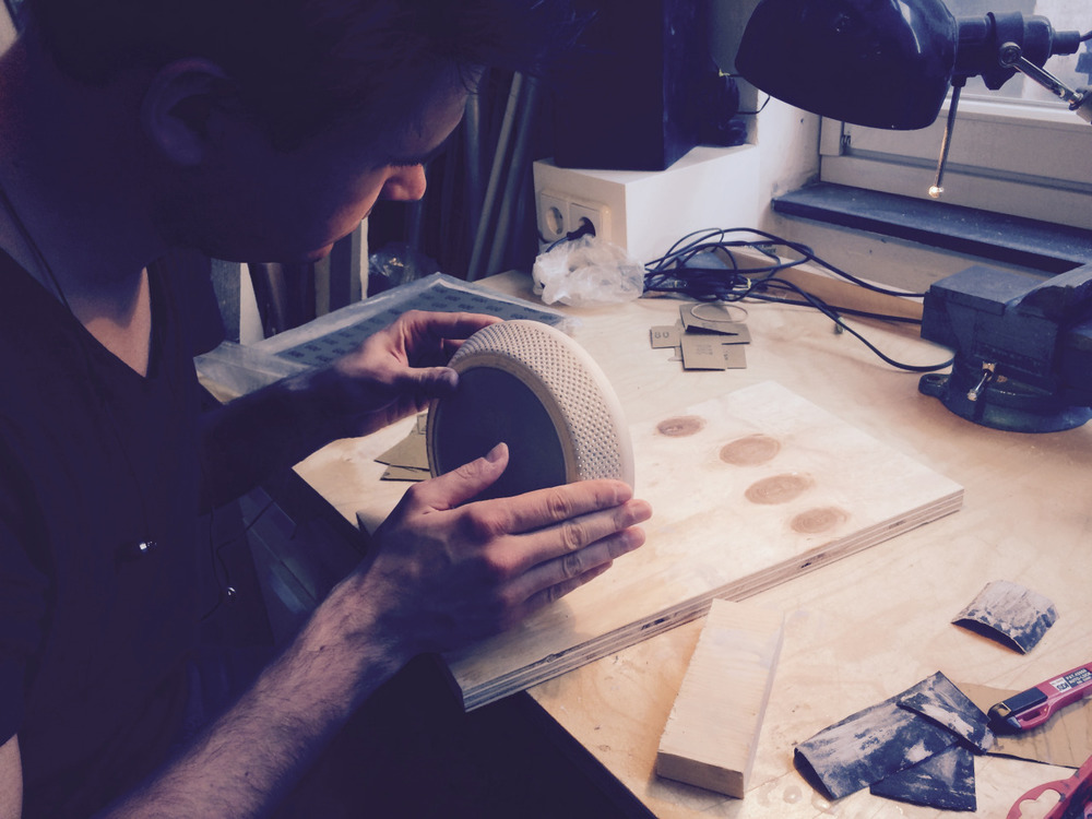 April 15 Sunny day in Berlin! I'm collecting materials for the photoshoot. Suddenly feel like including some fun materials and maybe (MAYBE) even a bit of color. Nils continues working on those prototype cases. We need to have quite few to cover all the events we want to participate. Meanwhile David has almost blown up the lab and burned down the pcb. Classic evenings in the lab :)
