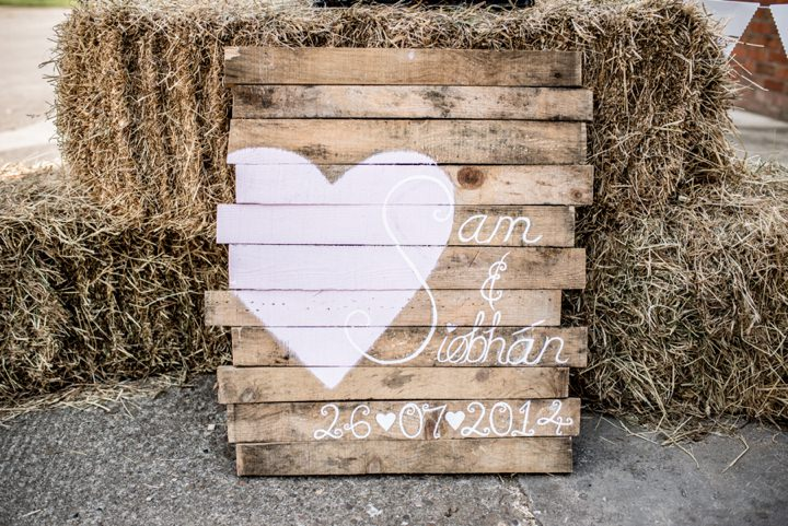 16-DIY-Barn-Wedding-By-D-J-Archer-Photography.jpg
