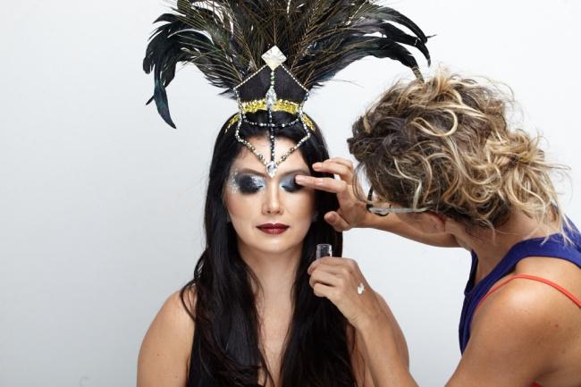 resize_Make-de-Carnaval-Futilish Menu de maquiagem 4.jpg