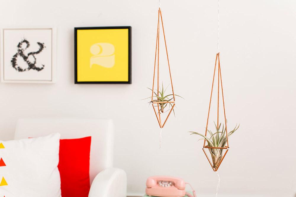 DIY copper pipe plant hanger - Brit + Co