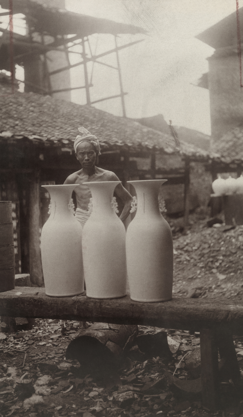 Potter in Jingdezhen, 1920 © National Geographic / Frank B. Lenz