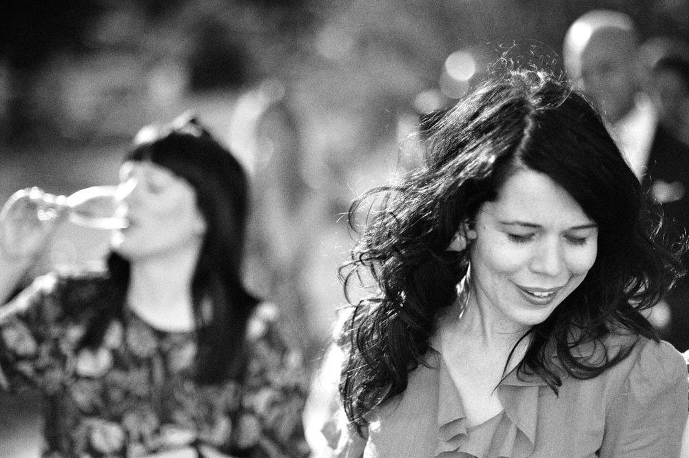 En gång var jag och Lotta Lundgren på samma bröllop! Tycker denna bild på henne är så fin.