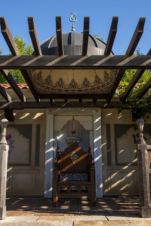 105 Ottoman_Chair_003_Nieh.JPG