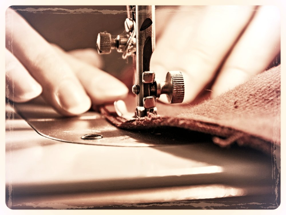 Sewing-Process-60306137.jpg