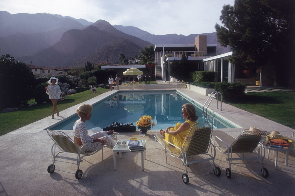 Photo by Slim Aarons at the Kaufmann House