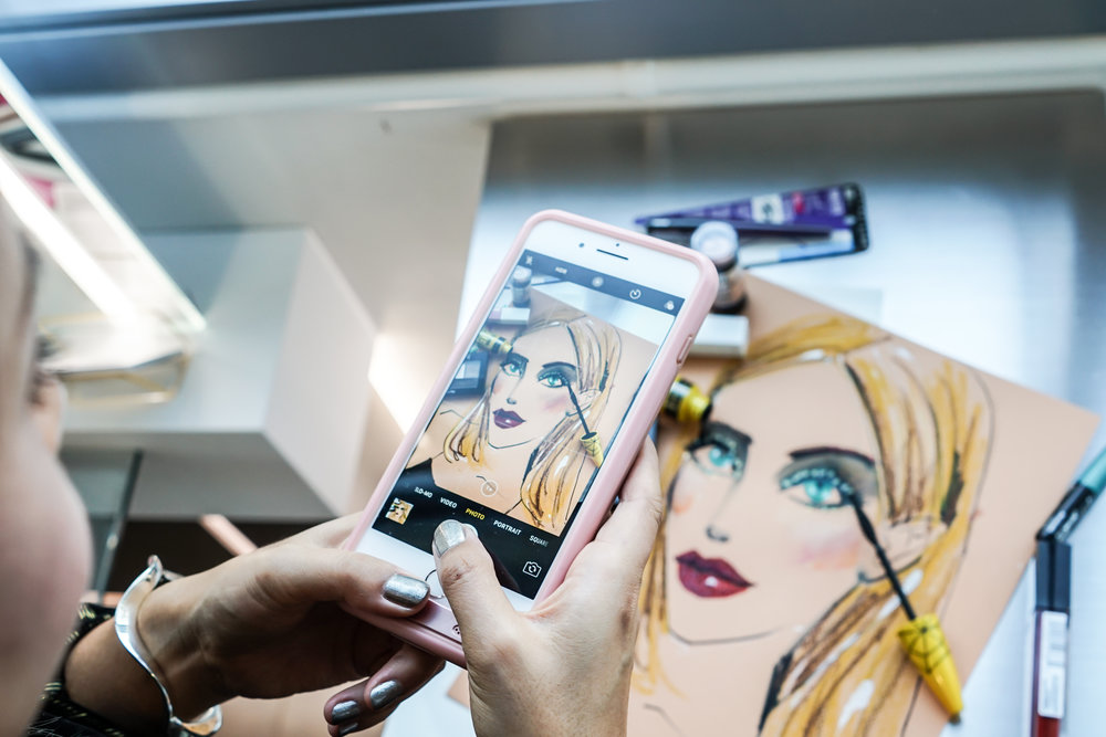 Beauty illustrator Rongrong DeVoe live sketch at backstage NYFW.jpg