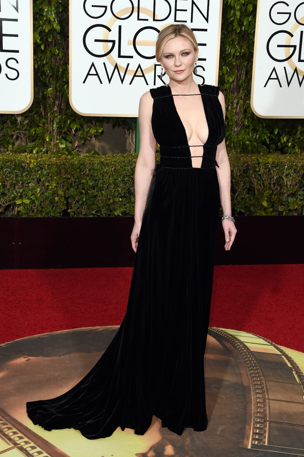 8. Kirsten Dunst in Valentino Haute Couture