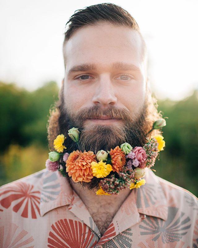 Fresh vibes. (@jhannahphoto) #tbt #fresh #flowerbeard #asseenincolumbus #ohiogram #beardsofinstagram #thatsdarling #shortnorthartsdistrict #artmakescbus